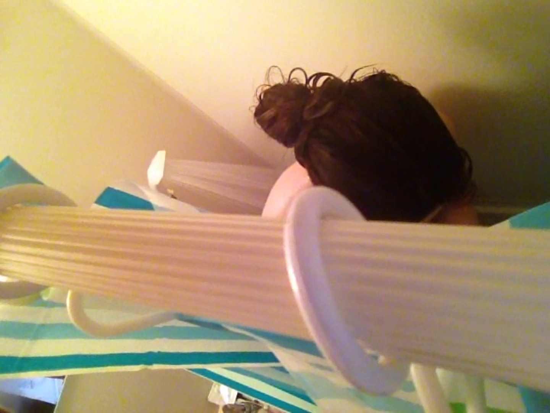 11(11日目)上からシャワー中の彼女を覗き見 シャワー  50pic 24