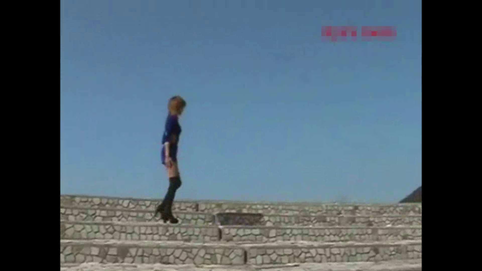 伝説の露出女神 特集3 野外  100pic 54