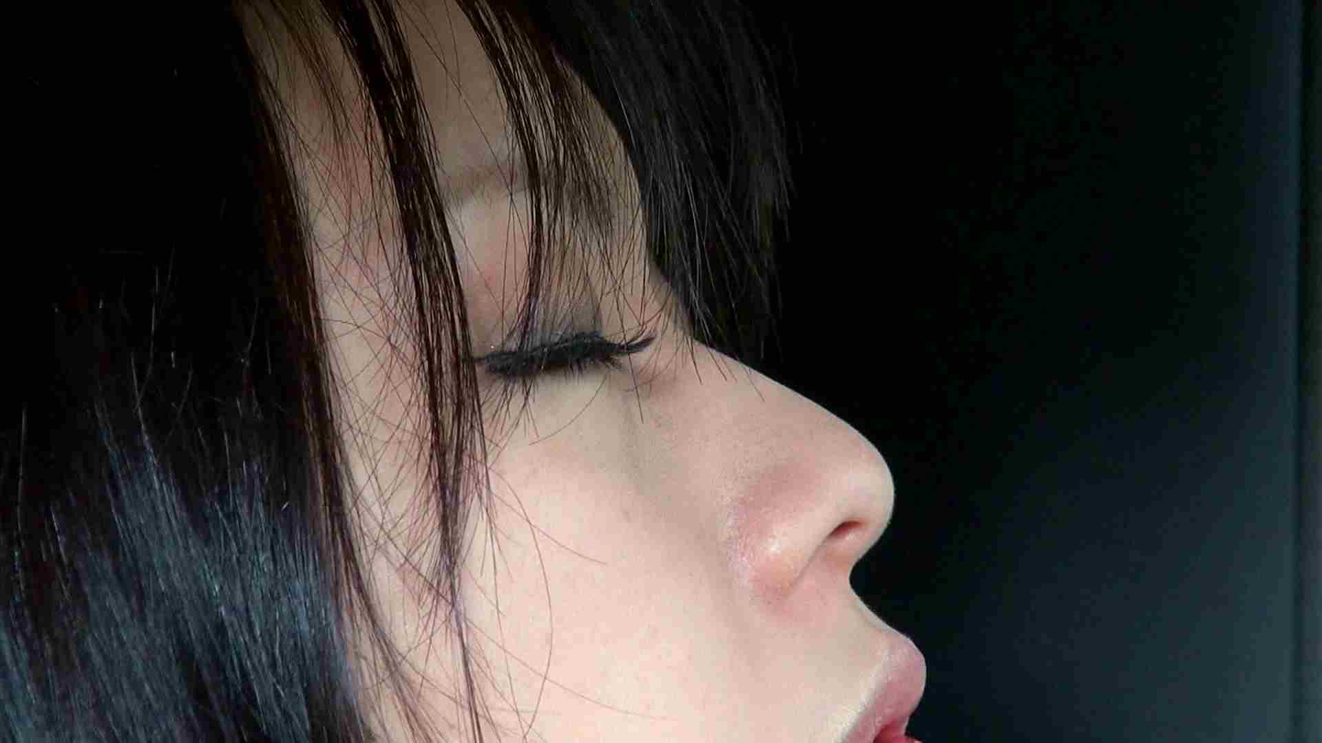 自宅で今回の出演までの経緯を語る志穂さん ドキュメント  65pic 58
