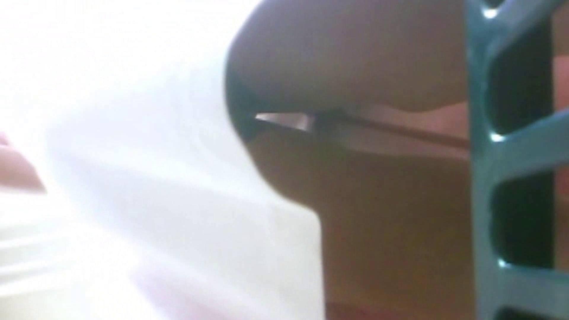 真剣に買い物中のgal達を上から下から狙います。vol.08 チラ系 盗撮画像 109pic 53